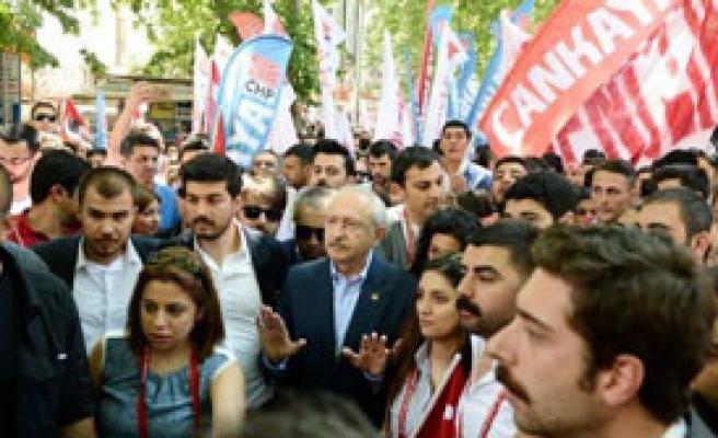 CHP'liler, Anıtkabir'e Yürüdü