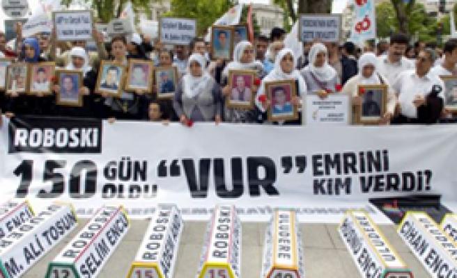 Dolmabahçe'de Uludere Protestosu