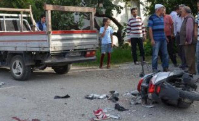 Ehliyetsiz Ve Kasksız Liseli Fadime Kazada Öldü