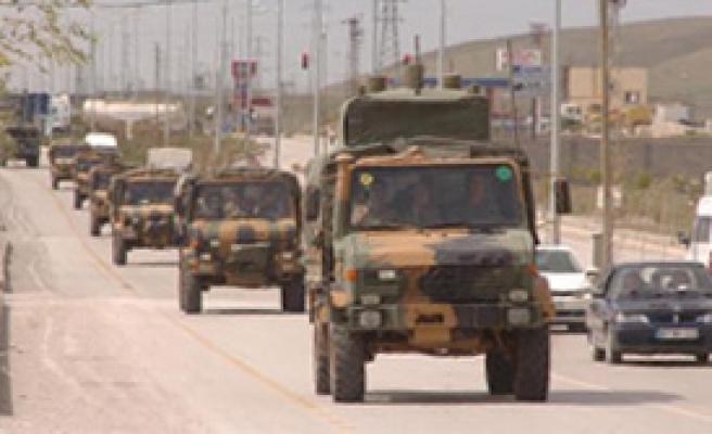 Sınırda Askeri Hareketlilik Hız Kazandı