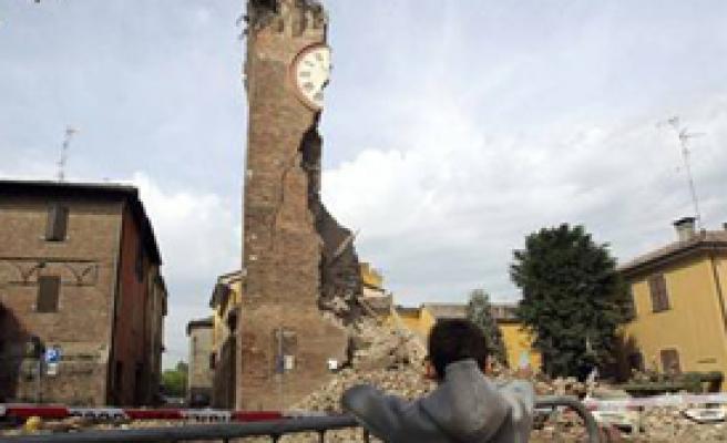 İtalya'da Deprem Sonrası 75 Artçı