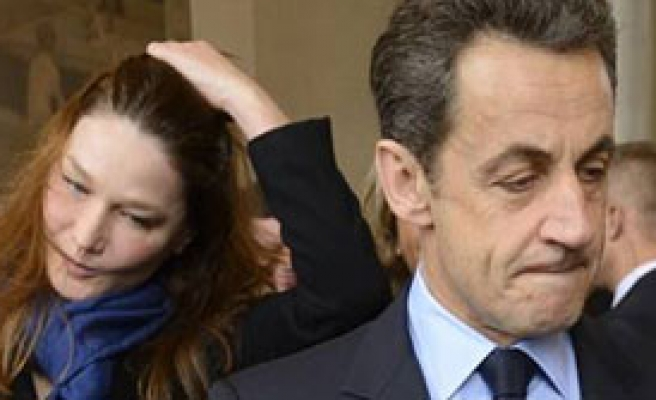 Sarkozy Yenilginin Yarasını Türkiye'de Saracak