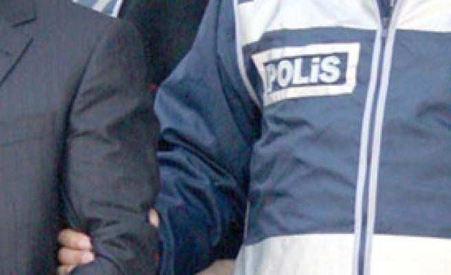 İzmir'de 26 Gözaltı!