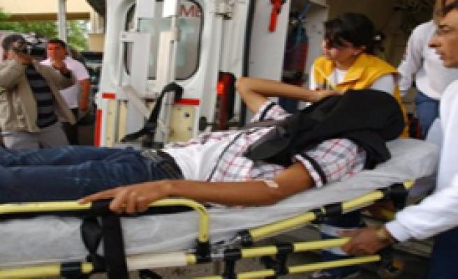İdrar Kavgası:9 Yaralı