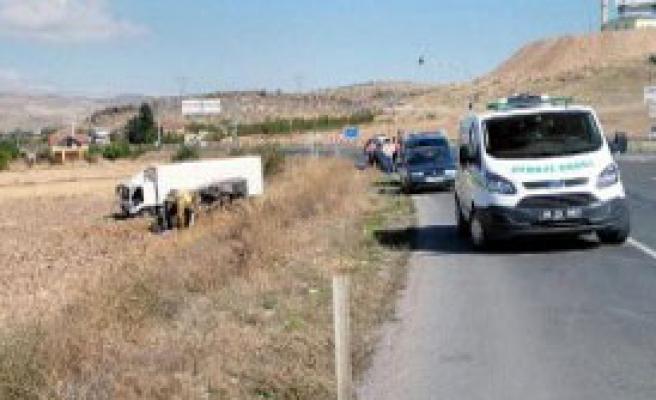 Kayseri'de Kamyon Kazası: 2 Yaralı