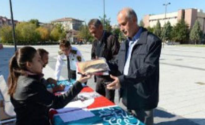60 Bin Atatürk Posteri Dağıtılacak
