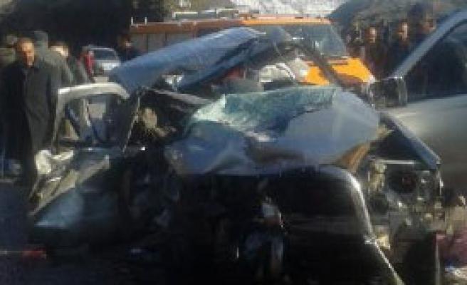 Bitlis'te Kaza; 2 Ölü, 1 Yaralı
