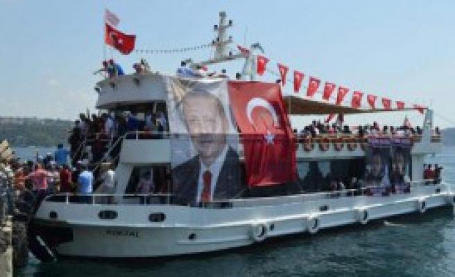 Demokrasi Ve Şehitler Mitingi'ne Denizden  Gittiler