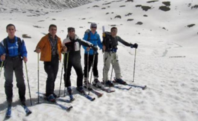 Mayıs Ayında Rize'de Kayak Keyfi