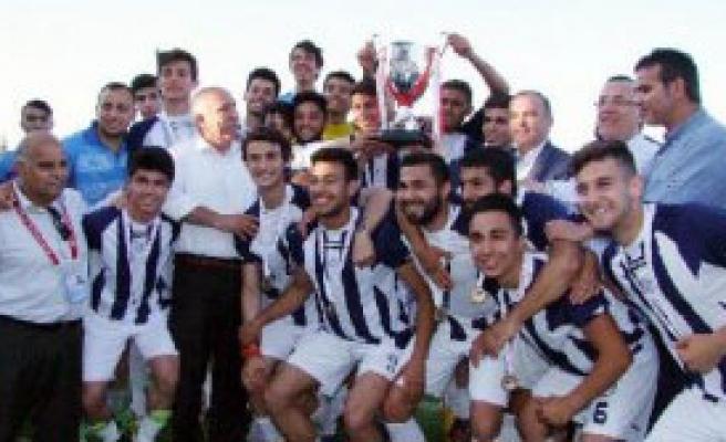 İzmirspor'dan Şampiyonlara Saygı