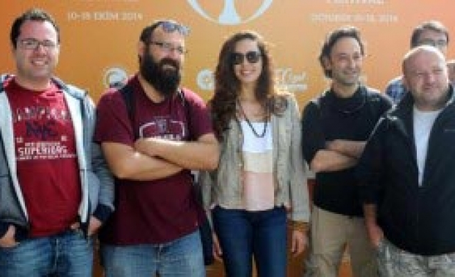 Azra Akın'dan Sansür Yorumu: Sanat Önemli