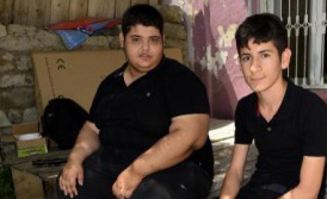 16 Yaşında ve Tam 175 Kilo