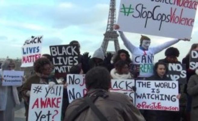 Eyfel Kulesi Önünde Protesto