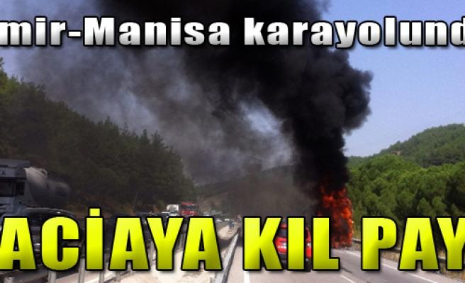 İzmir-Manisa Yolunda Yolcu Otobüsü Yandı