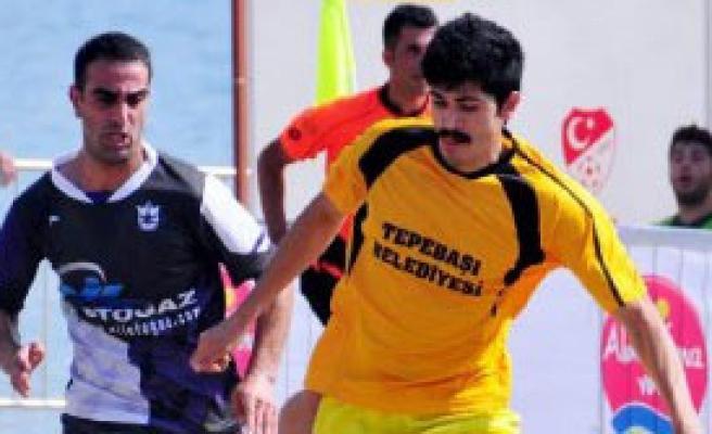 Plaj Futbol Ligi Finalleri Alanya'da Başladı