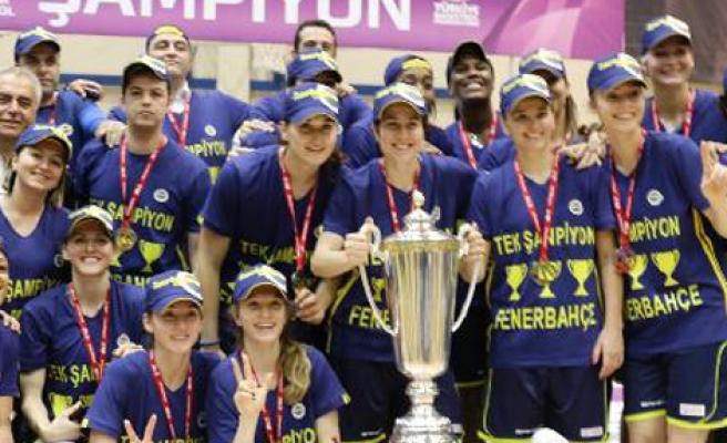 Fenerbahçe Kadınlar Basket'te Şampiyon