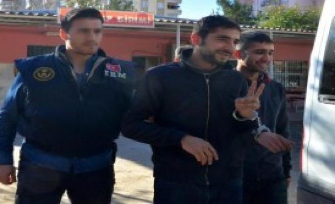 Adana'da Pkk Operasyonu: 9 Gözaltı