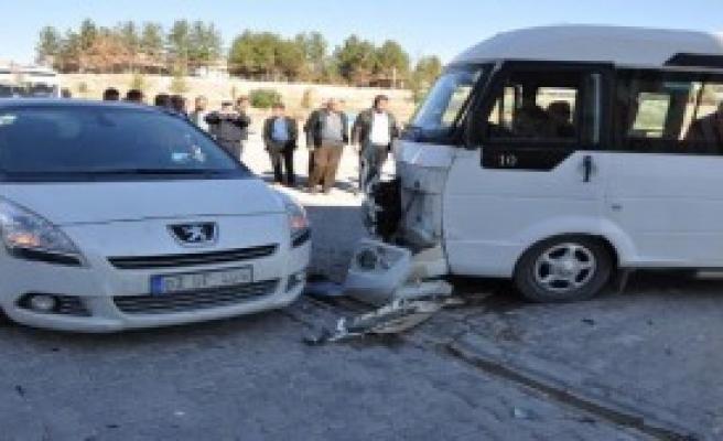 Adıyaman'da 2 Kaza; 1 Ölü, 9 Yaralı
