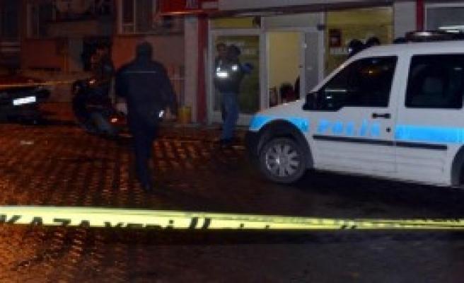 Afyonkarahisar'da Bıçaklı- Silahlı Kavga: 8 Yaralı