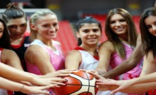 AGÜ Spor Polonya Deplasmanında