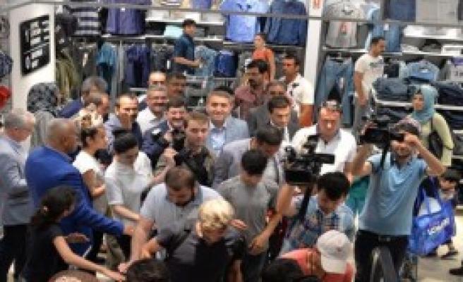Ak Parti İstanbul'dan Diyarbakır'daki Terör Mağdurlarına Bayram Hediyesi