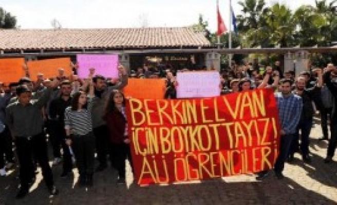 Akdeniz Üniversitesi'nde Berkin Elvan Eylemi