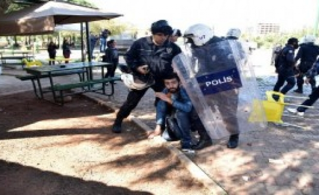 Akdeniz Üniversitesi'nde Nevruz Gerginliği