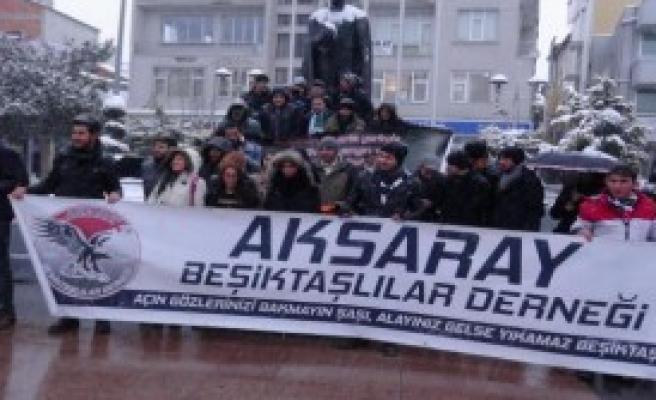 Beşiktaşlılardan Özgecan İçin Saygı Duruşu