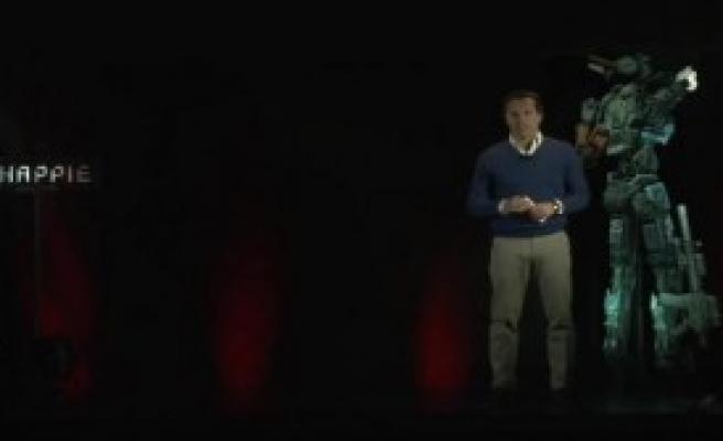 Jackman Hologram Aracılığı İle Basın Toplantısı Düzenledi