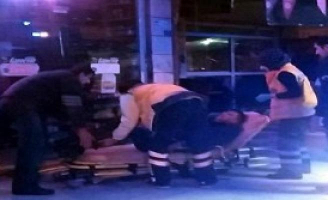 Akyazı'da Kavga: 1 Yaralı, 4 Gözaltı