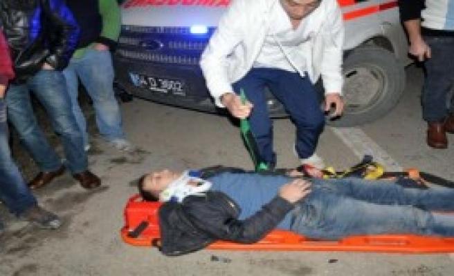 Akyazı'da Kaza: 1 Ölü 3 Yaralı