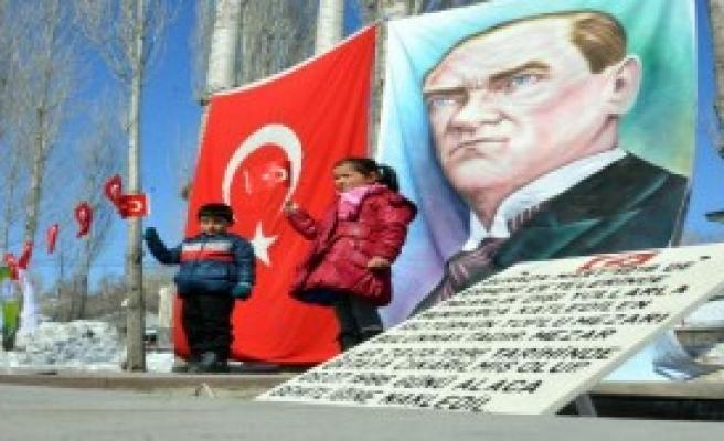 Katledilen 278 Türk Anıldı