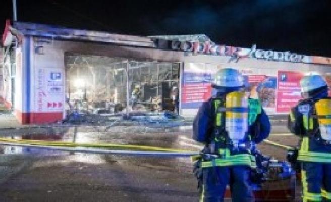 Almanya'da Türklerin İşyerleri Kundaklandı