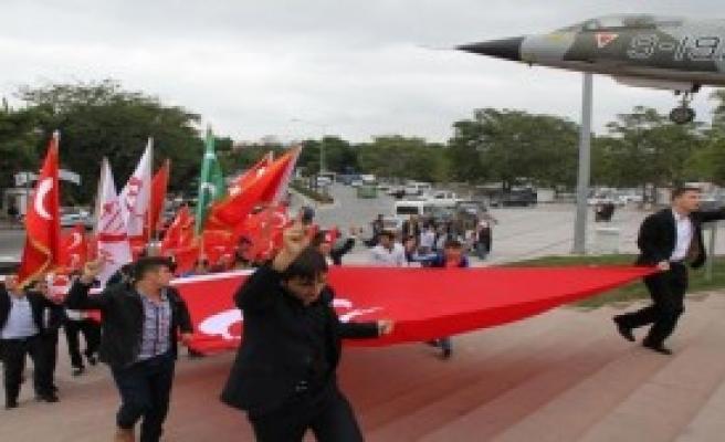 Alperenler Bayrağa Saygı Yürüyüşü Yaptı