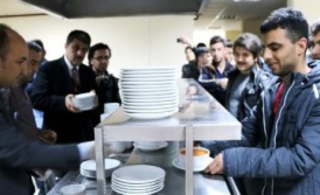 Öğrencilere Ücretsiz Yemek