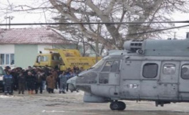 2 Hamile Kadın Helikopterle Taşındı