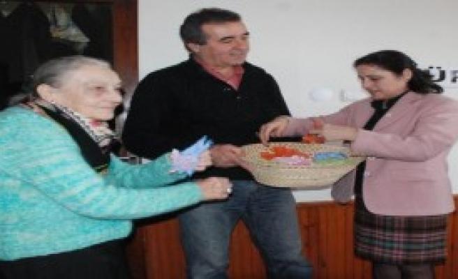 Anadolu Partisi Kadınlara Tohum Dağıttı