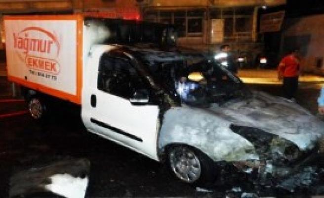 Anamur'da Araç Kundaklandı