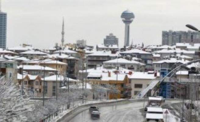 Ankara Beyaza Büründü