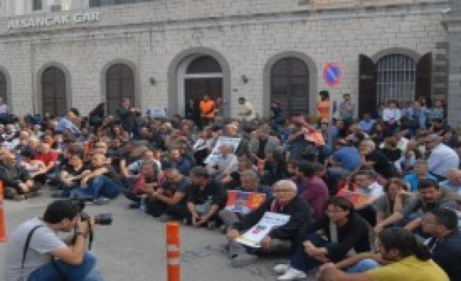 Patlamaya İzmir'de Protesto
