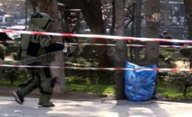 Ankara'da şüpheli poşetten çöp çıktı