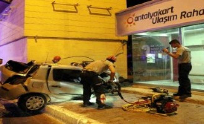 Antalya'da Kaza: 2 Ölü