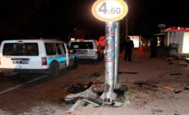 Antalya'da Eğlence Dönüşü Feci Kaza!