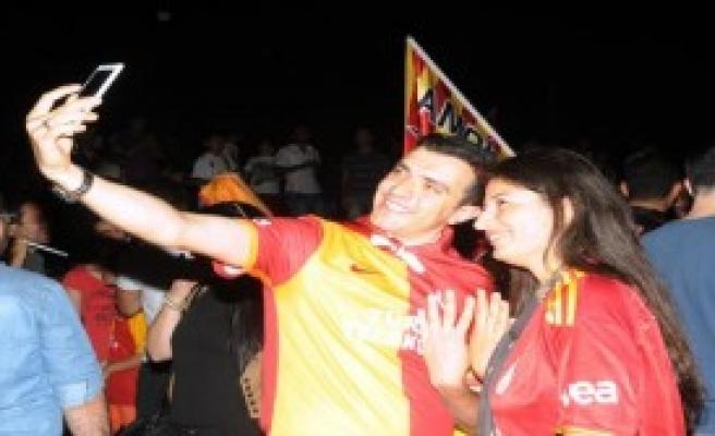 Antalya'da Şampiyonluk Kutlaması