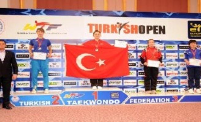 Antalya'da Taekwondo da Damga Vurduk