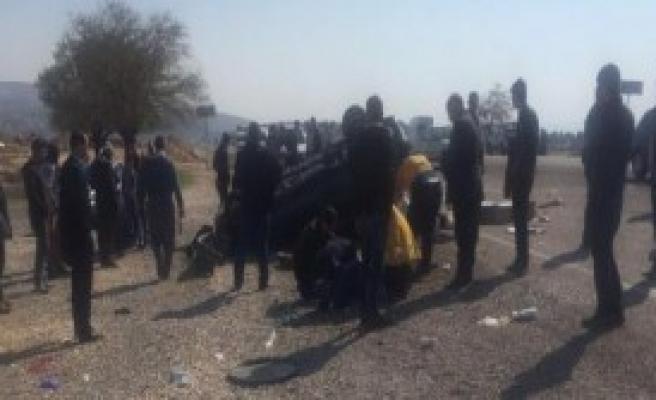 Araban'da Otomobil Devrildi: 3 Ölü, 1 Yaralı
