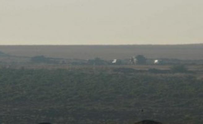 Sınıra Tanklar Konuşlandırıldı