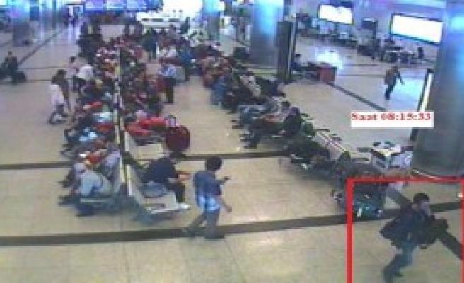 Havalimanında Hırsızlara Kameralı Takip