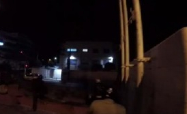 İsrail Büyükelçiliğine Saldırı Düzenledi