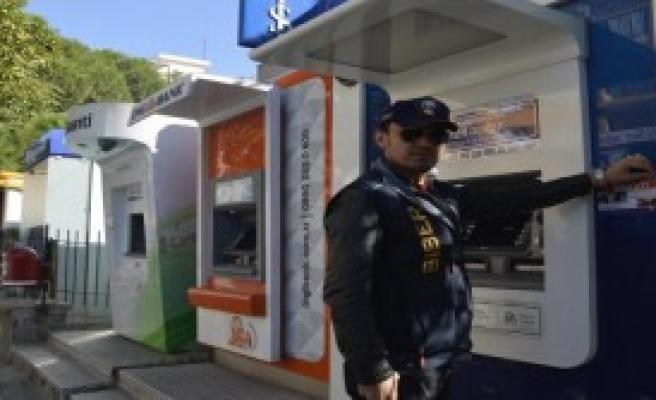 ATM Dolandırıcılarına Karşı Broşürlü Uyarı